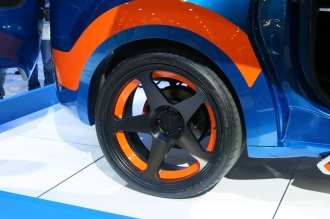 2014-ford-transit-connect-hot-wheels-edition-wheel